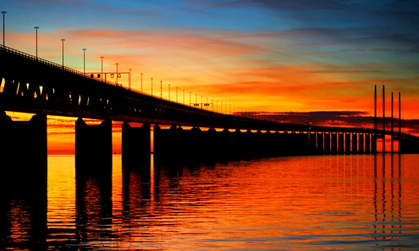 Oresund_Bridge_-_Malmo,_Sweden
